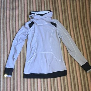 Lululemon Hooded Pullover Gray Size 6